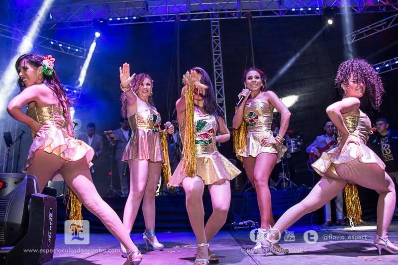 sexycumbia fiestassantarrosinas2015 01